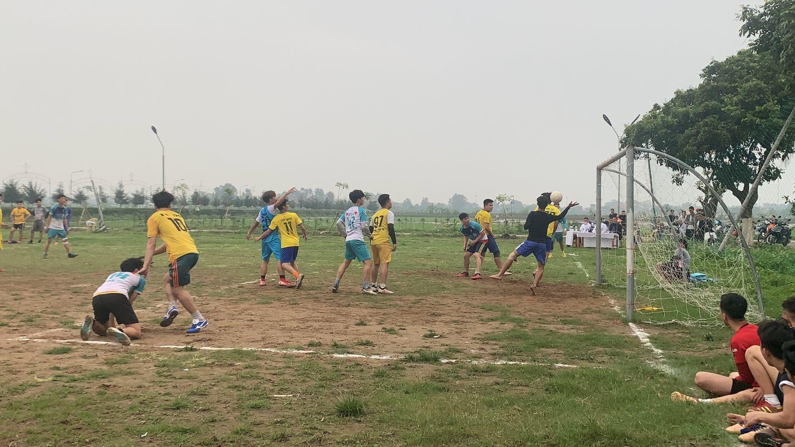 Giới trẻ Giáo hạt Lý Nhân tổ chức bóng đá giao hữu bóng đá