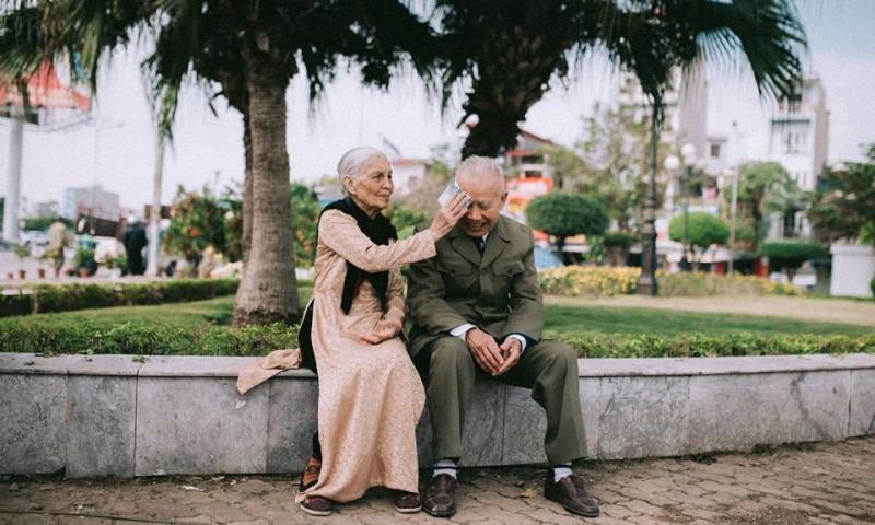 Các bí quyết của một hôn nhân hạnh phúc: 08 – Bí quyết nghĩa tình bằng hữu