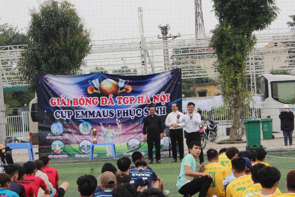 """Khai mạc Giải đấu bóng đá CUP """"EMMAUS PHỤC SINH"""" năm 2021 - Giới trẻ TGP Hà Nội."""