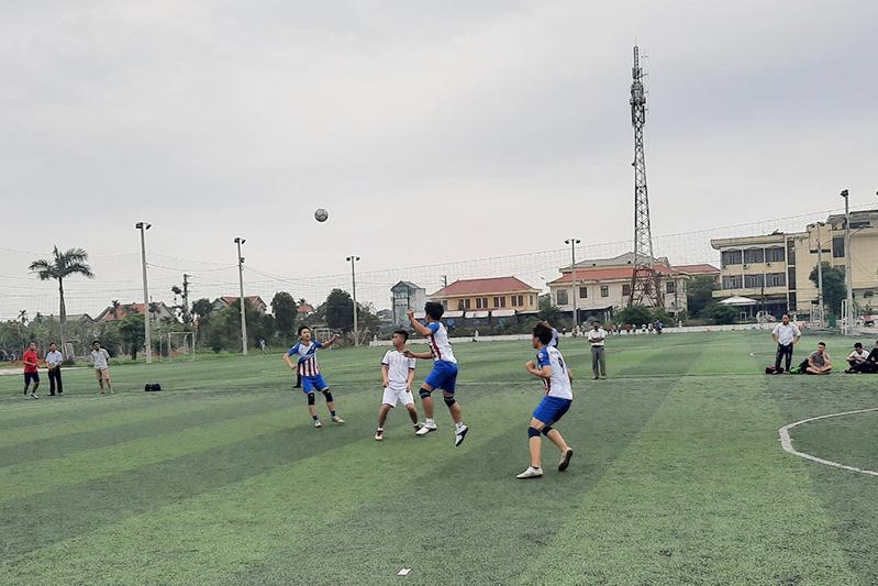 """Các lượt trận cuối cùng của vòng bảng Giải bóng đá Giới trẻ TGP Hà Nội Cup """"EMMAUS PHỤC SINH"""" 2021"""